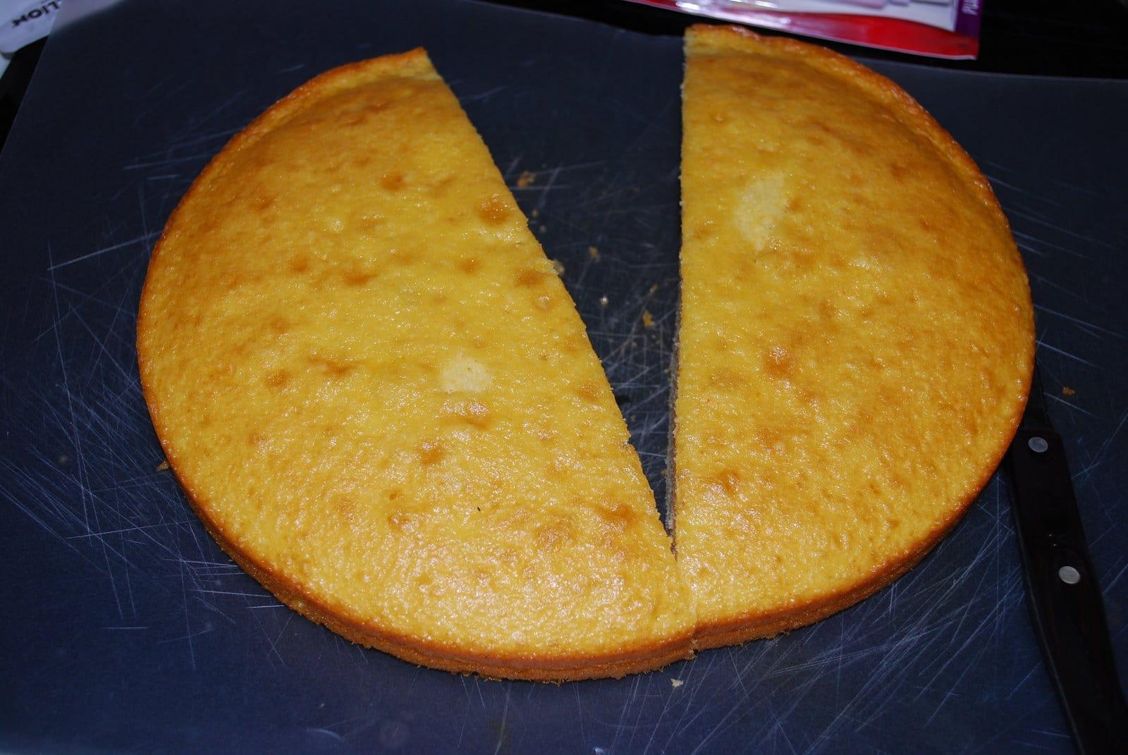 halved round cake