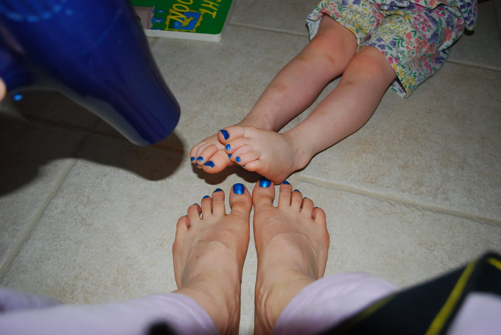 mommy and me painted toes