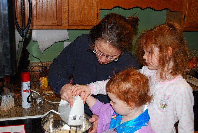 Mommy and Me Monday- The 45th Edition- Our Christmas Preparations