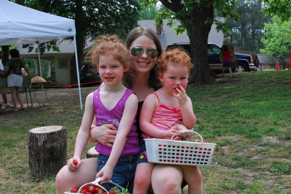 Mommy and Me Monday | Strawberry Picking