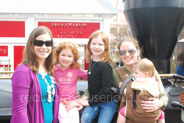 Sisters and Sisters at the Square | Mommy and Me Monday | 160th ed