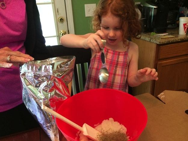 Easy DIY Lemon Rosemary Sugar Scrub