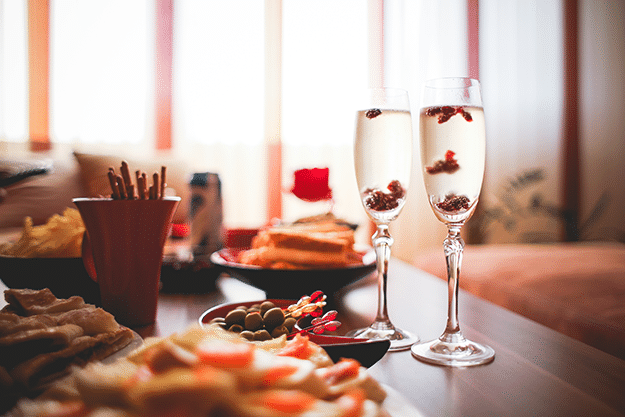 Healthy Eating: Holiday Party Survival Guide