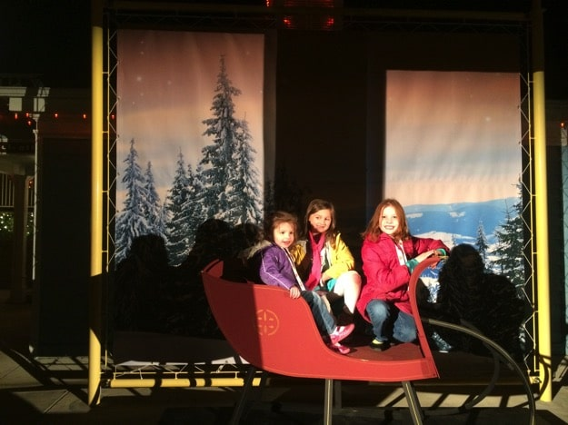 Holiday in the Park | Mommy and Me Monday | 249th ed