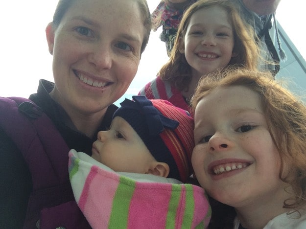 babywearing with lillebaby usie