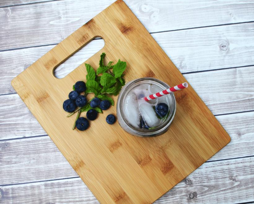 Refreshing Sparkling Blueberry Mock-jito