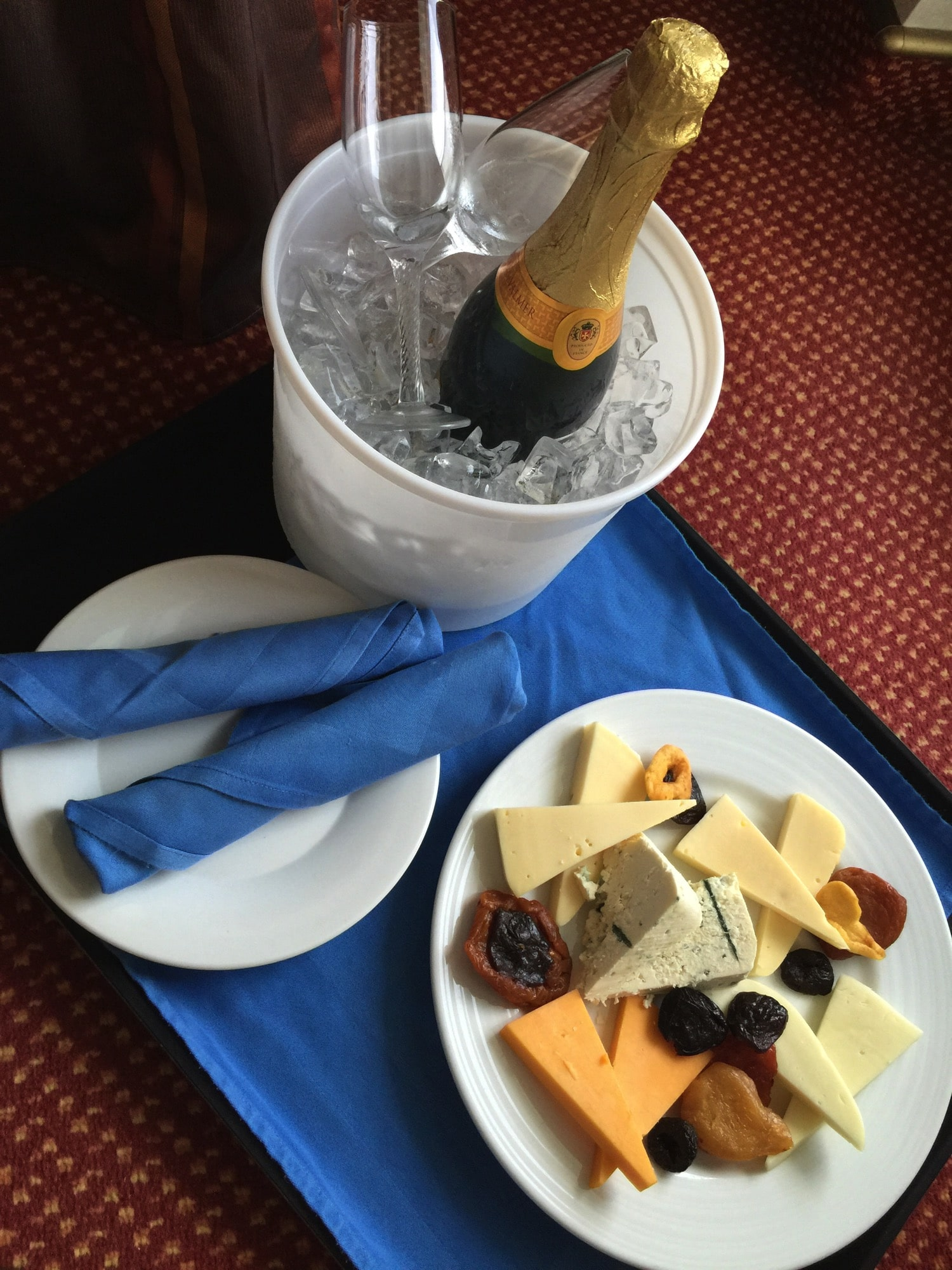 family cruise | room service