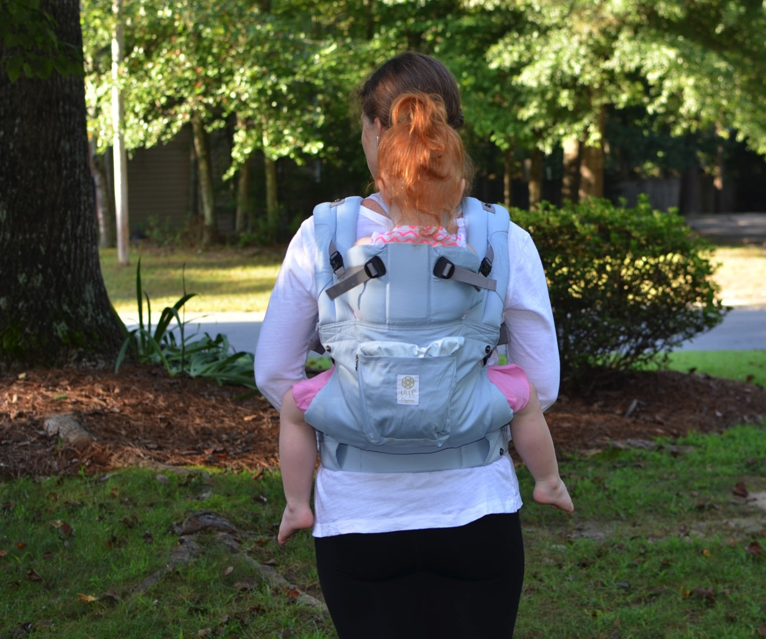 lillebaby complete organic Back carry back view