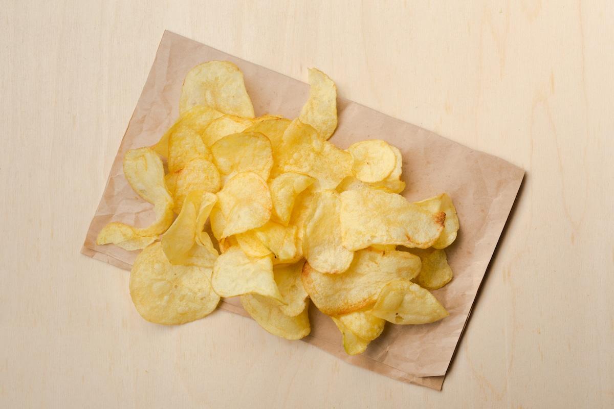 potato chips on papertowel