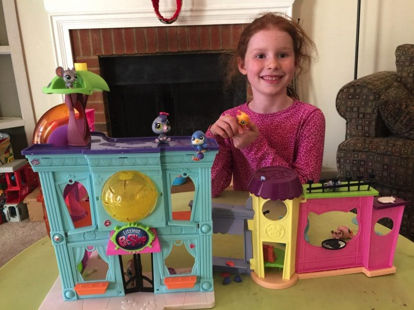 6 Ways to Encourage Creativity through Imaginative Play with Littlest Pet Shop [VIDEO]