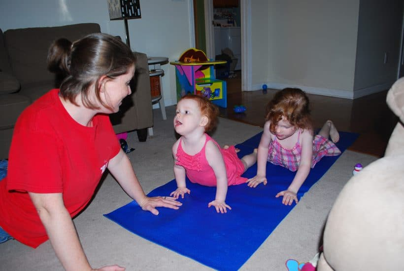 5 easy and fun ways to get your kids to try (and love!) yoga and turn them into yogi kids!