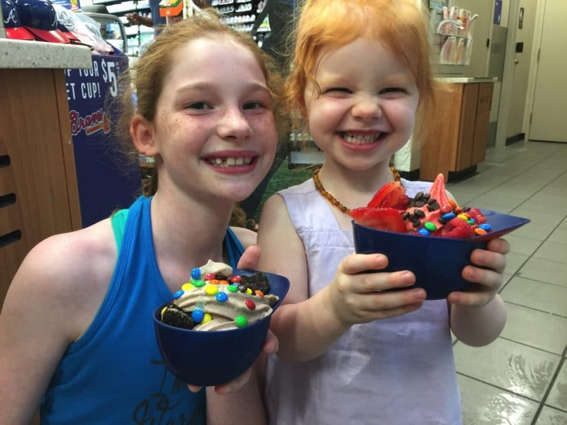 Keeping Cool with Ultimate Swirl World Creations | Mommy and Me Monday | 384th ed