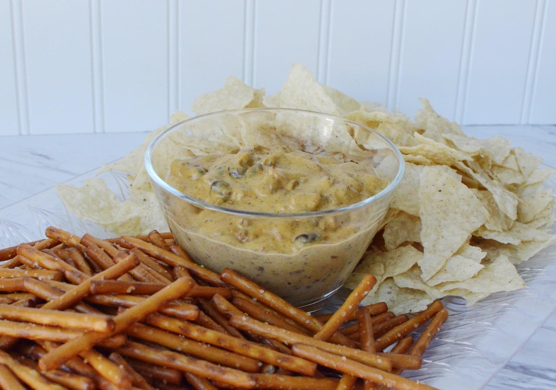 Dairy free chili cheese dip h