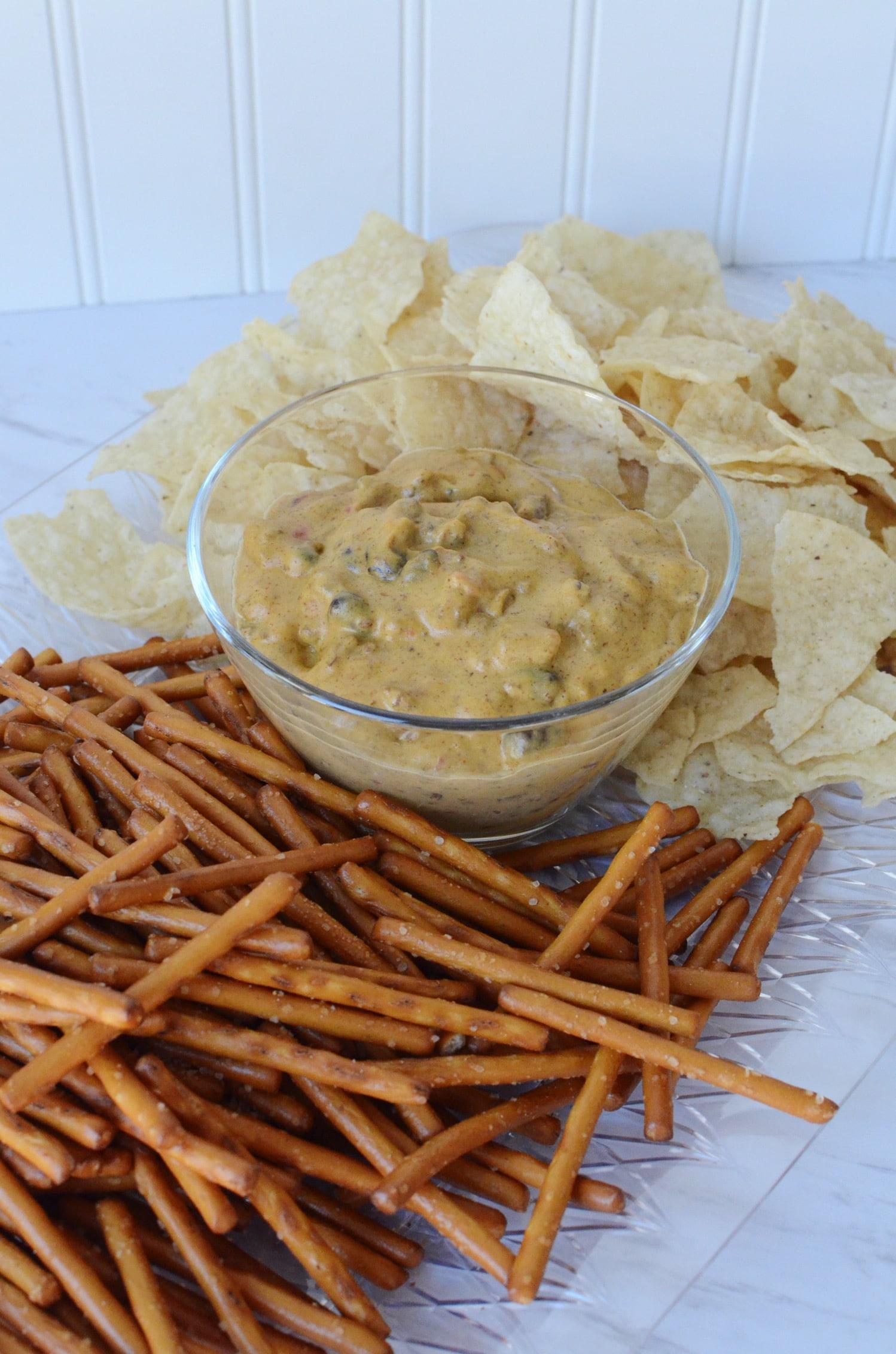 Dairy free chili cheese dip v