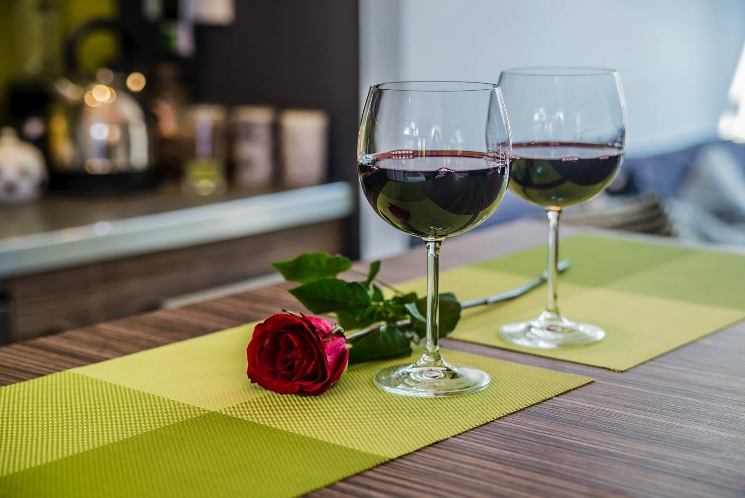 wine in glasses   date night in