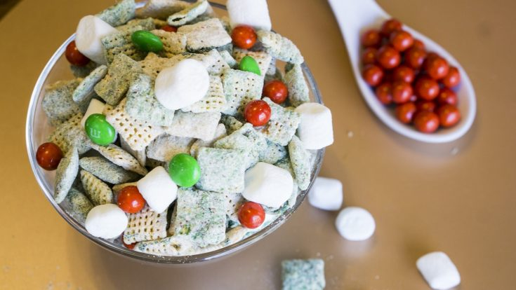 Grinch Peanut Butter Snack Mix
