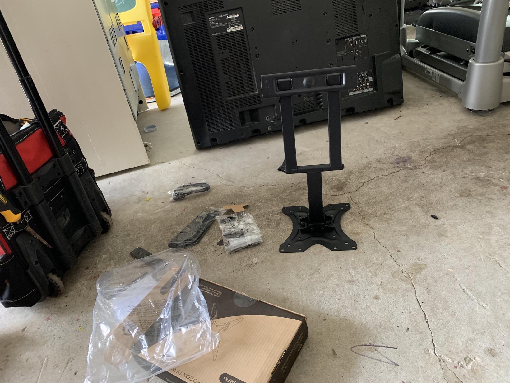 Puls tv mount for garage gym