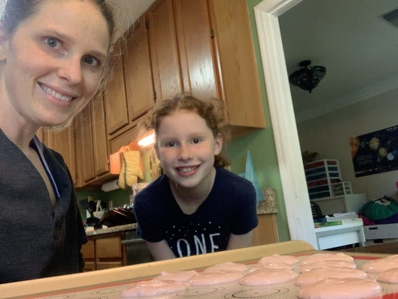 Macarons and Mommy and Me Monday | 484th ed