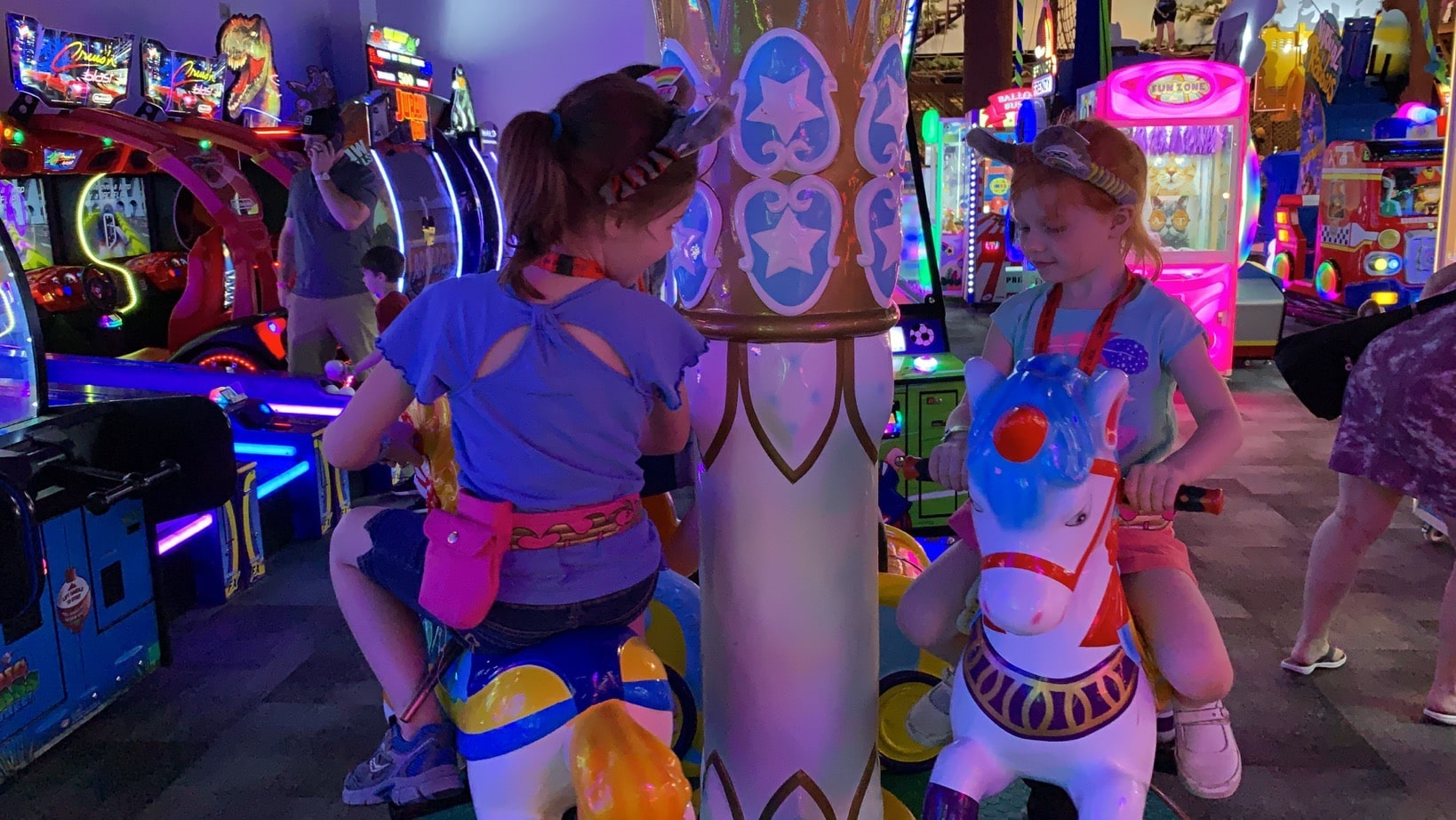 Great Wolf Lodge Summer Camp-In arcade