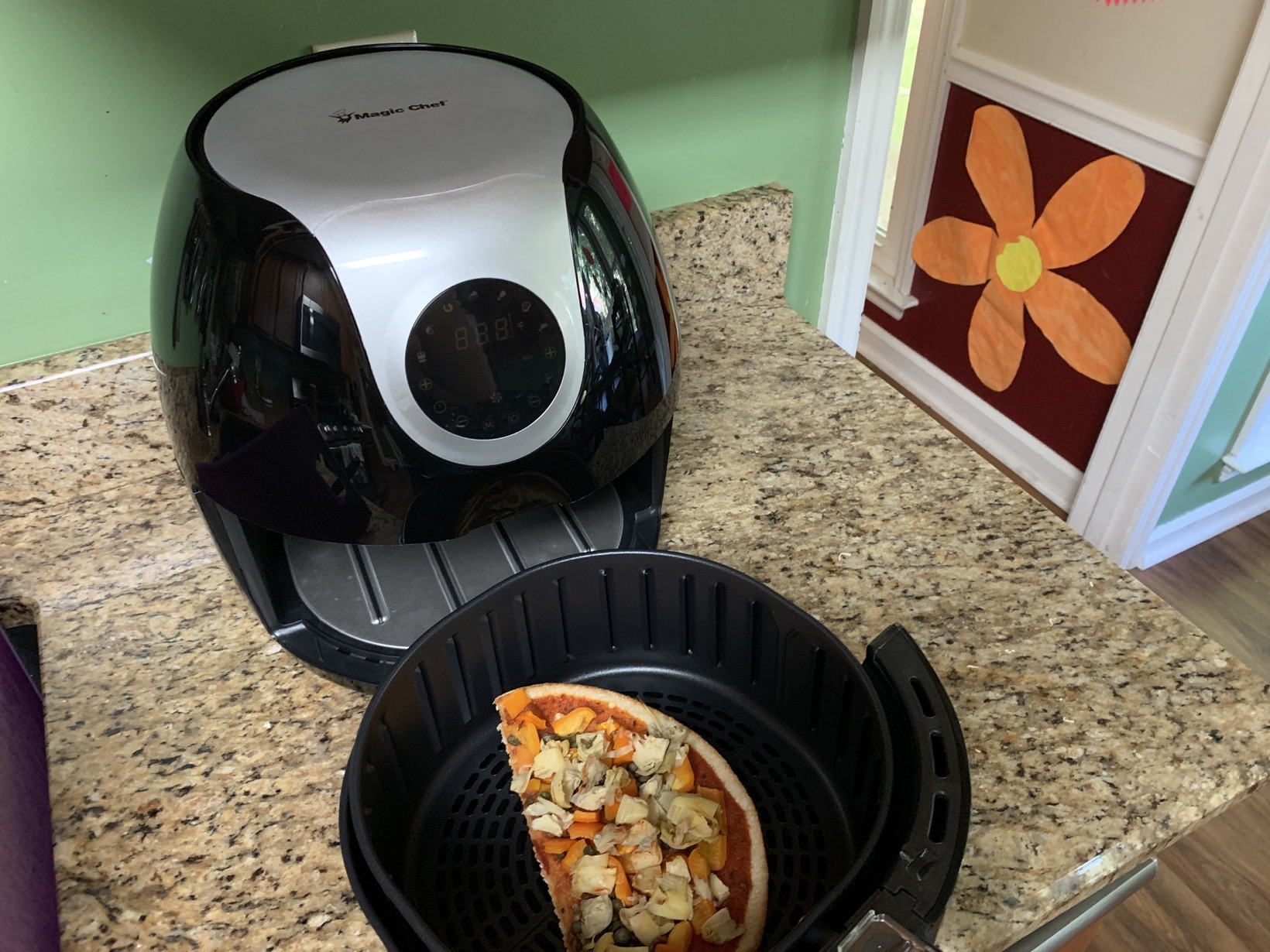 reheating pizza in NewAir Magic Chef® Digital XL Air Fryer
