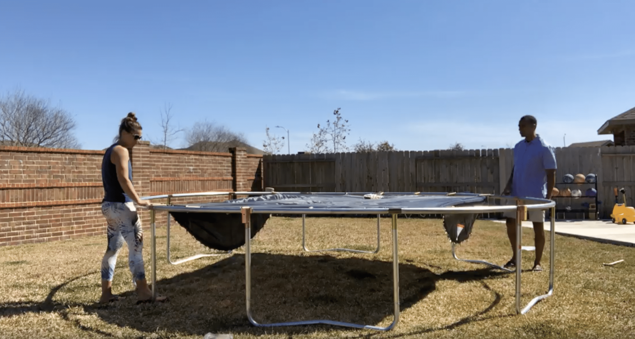 putting jumpsport trampoline together
