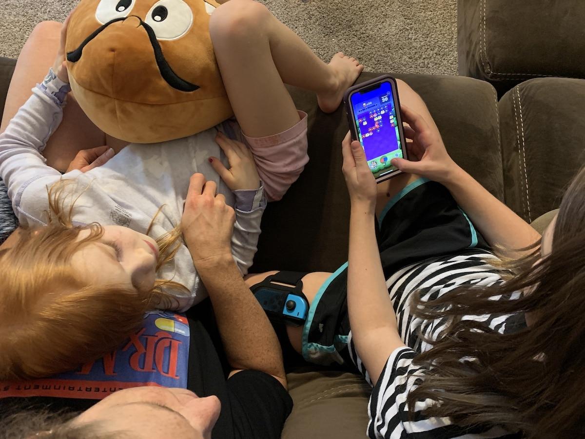 Dr. Mario World Nintendo app with family