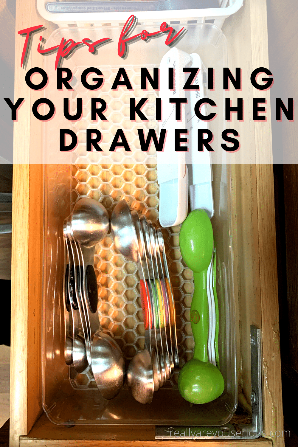 tips for organizing your kitchen drawers