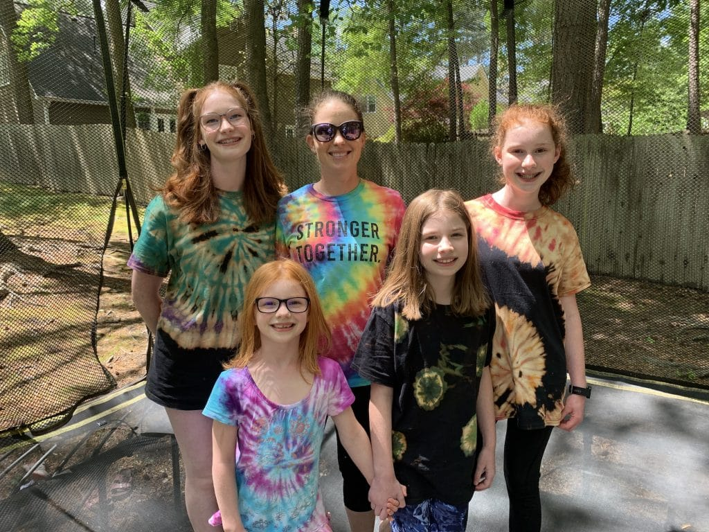 Tie dying and reverse tie dying | Mommy and Me Monday | 585th ed